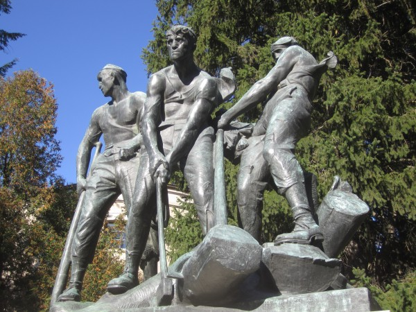 "The Peirce Memorial in Bangor, monument commemorating the heroic river drivers of Maine's history, renowned in some regions as the ""Bangor Tigers."""