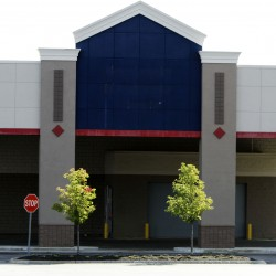 Lowe's to close stores in Ellsworth, Biddeford