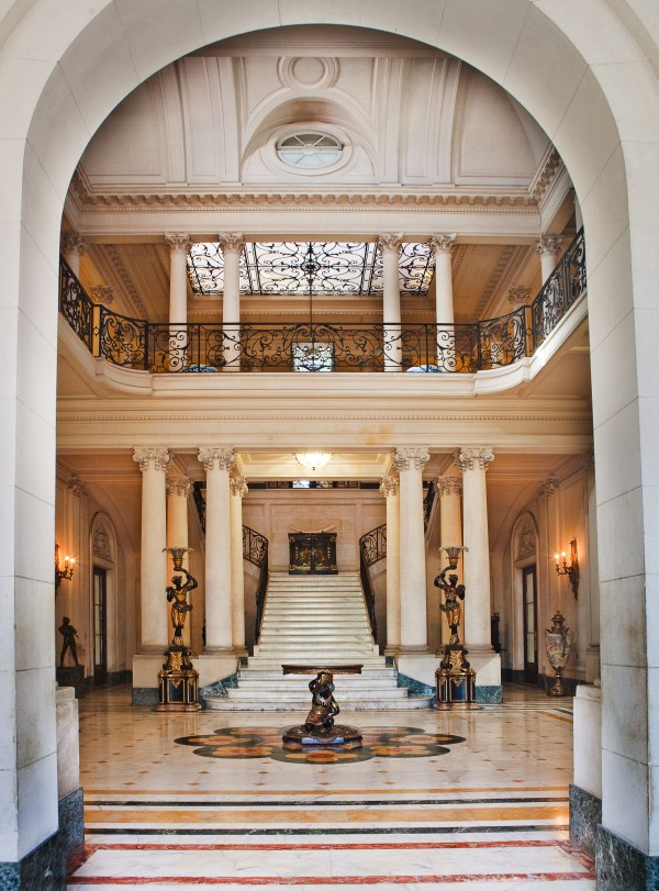 The entrance hall of the palace of Countess of Revilla de Camargo includes one of the most beautiful residential staircases in Cuba.