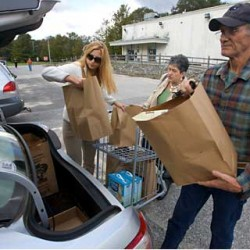 Topsham military commissary to close in October