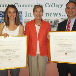 2 students at EMCC receive Mitchell scholarships