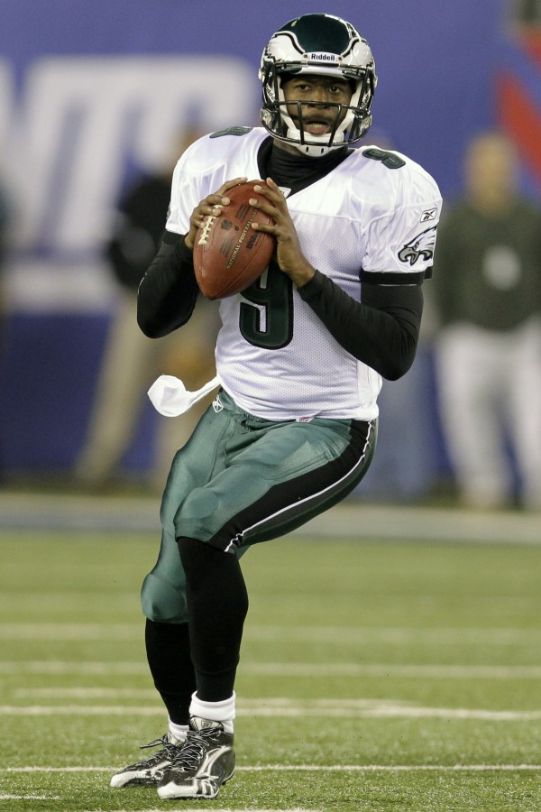 Philadelphia Eagles' Vince Young (9) looks to pass during the first quarter of an NFL football game against the New York Giants, Sunday, Nov. 20, 2011, in East Rutherford, N.J.