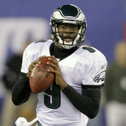 Vick gives Eagles 16-10 lead after 3 quarters