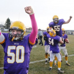 Yarmouth uses quick start to top Bucksport in Class C football state final