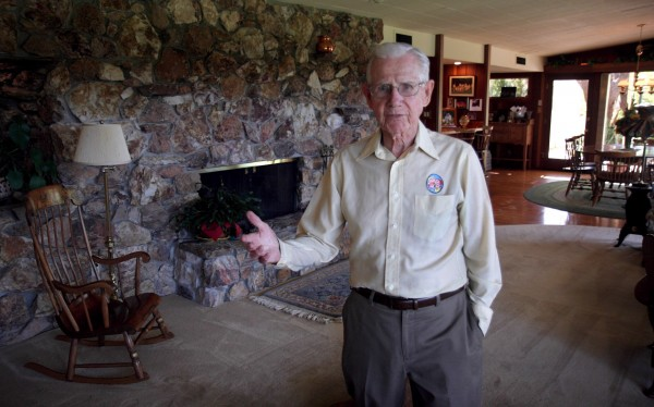 In this June 21, 2006 file photo, cartoonist Bil Keane, creator of the comic strip &quotFamily Circus,&quot poses in his home in Paradise Valley, Ariz.