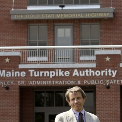 Maine Turnpike workers picket board meeting