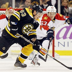 Bergeron leads Bruins to 6-0 rout of Senators