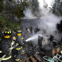 Fire destroys Pomeroy Oil Co. garage