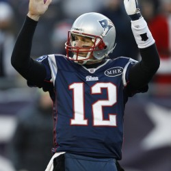 Patriots' Brady misses practice with foot injury