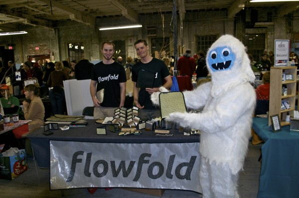 Flowfold representatives Devin McNeill and Nick Power at a picnic holiday sale in Portland recently.