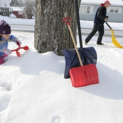 Storm brings 4 to 14 inches of snow, bad driving in Maine