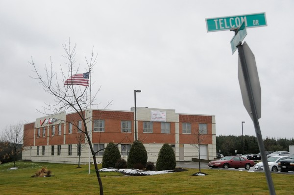 The Bangor City Council has approved a drainage easement for Verizon's customer service center on Telcom Drive, off Union Street, to allow Verizon to expand its parking lot next spring to accommodate possible employment increases. The project awaits approval by Bangor's planning board.