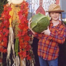 Bonnie Plants awards $1,000 scholarship to Sanford student