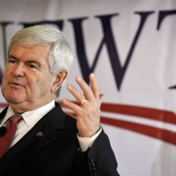 Gingrich campaign in tatters as top aides resign