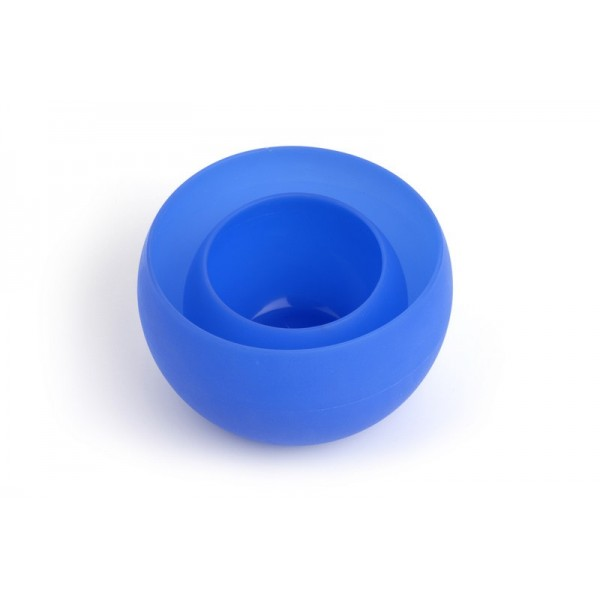 Guyot Designs Squishy Bowls ($14.95) are temperature resistant up to 400 degree Fahrenheit, can be easily cleaned with soap and water and pop right back into shape when its time to use them.