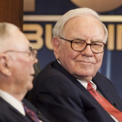 Buffett offers to match GOP debt-reducing gifts