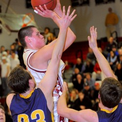 Fickett's late basket lifts Hampden to Eastern A title