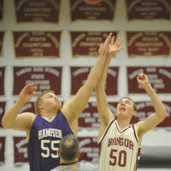 Hampden boys basketball team holds off Brewer to remain unbeaten
