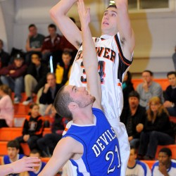 Red-hot Lewiston surges past Brewer boys basketball team