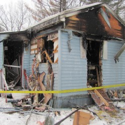 2 young sisters killed, mother burned in Lisbon fire