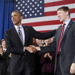Obama defies Senate, appoints consumer and labor officials