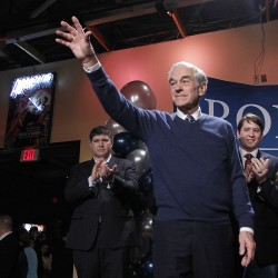 Mitt Romney, Ron Paul fight for GOP nomination in Maine