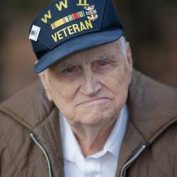 Thank you, hero: 'The Way We Get By' troop greeter Bill Knight recalled for humor, patriotism