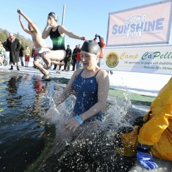 After three-week wait, fundraiser participants bracing for frigid ocean plunge in Portland