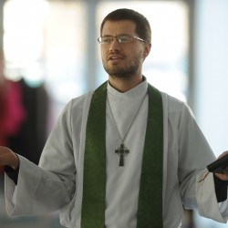 California priest to discuss combining feminine and masculine in worship