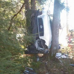 Norridgewock woman goes off highway, flips car while looking for dropped cellphone