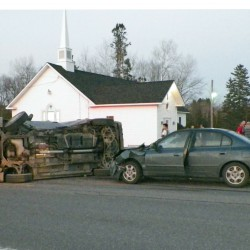 Two injured in crash in front of Linneus restaurant