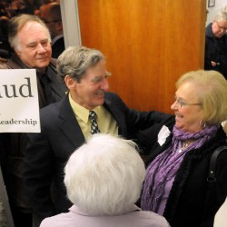 Snowe primary challenger unenrolls from Maine GOP after caucus