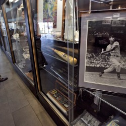 Conn. family selling Lou Gehrig's home run ball, price may reach $200,000