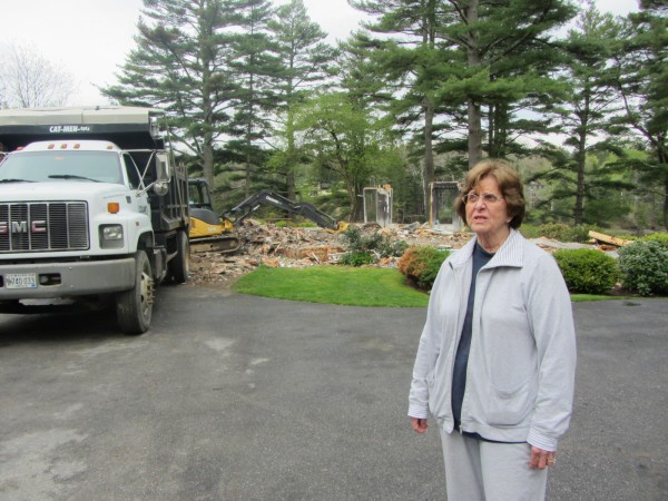 Audrey Buffington recalls the fire that destroyed her South Thomaston home on March 15, 2012.