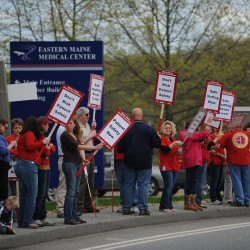 Bangor nurses take contract issues to the street