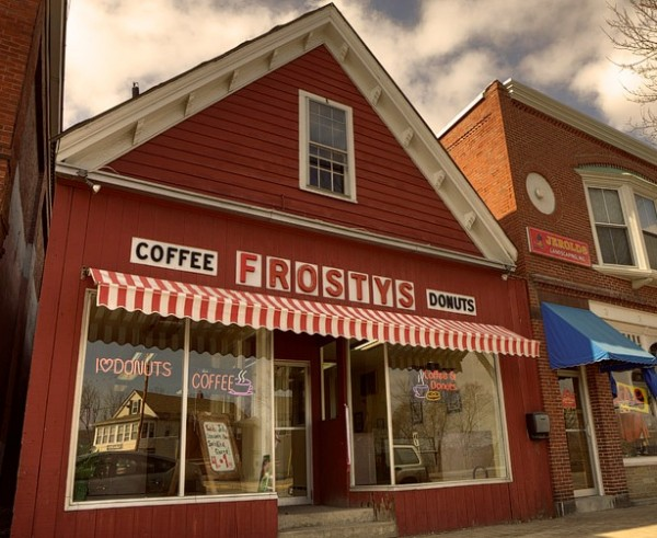 Just six months after reopening Frosty's in Brunswick, the business is expanding to Freeport.