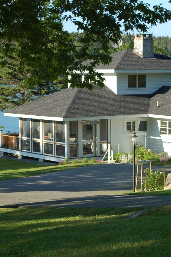 Waterfront craftsman-style cottage to be featured on tour