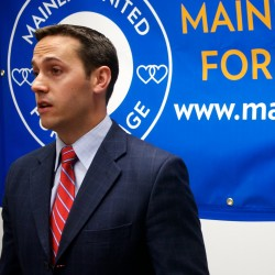Same-sex marriage supporters kick off Maine campaign by going door to door