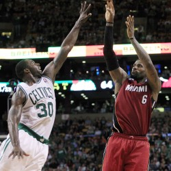 James scores 32 as Heat tame Celtics in series opener