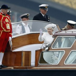 Queen Elizabeth becomes Bond girl for Olympic opening