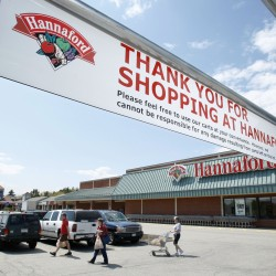 Computer problem means no card payments for Hannaford shoppers