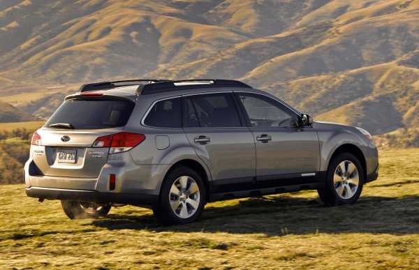 the subaru outback here s to compromise business. Black Bedroom Furniture Sets. Home Design Ideas