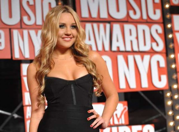 In this Sept. 13, 2009 file photo, Amanda Bynes arrives at the MTV Video Music Awards in New York. Los Angeles prosecutors charged Bynes on Tuesday June 5, 2012 with driving under the influence in April, when she was arrested after grazing a sheriff's car in West Hollywood.