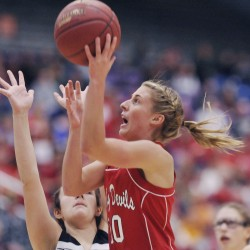 Bangor High three-sport star Cordelia Stewart recovering from knee surgery