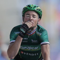 Millar wins longest Tour stage; Wiggins keeps lead