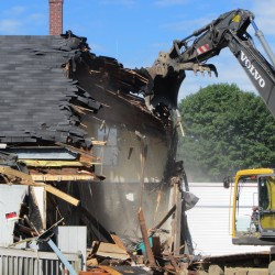 Rockland neighborhood off Route 1 to be leveled