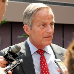 Todd Akin defies GOP leaders to stay in Mo. Senate race