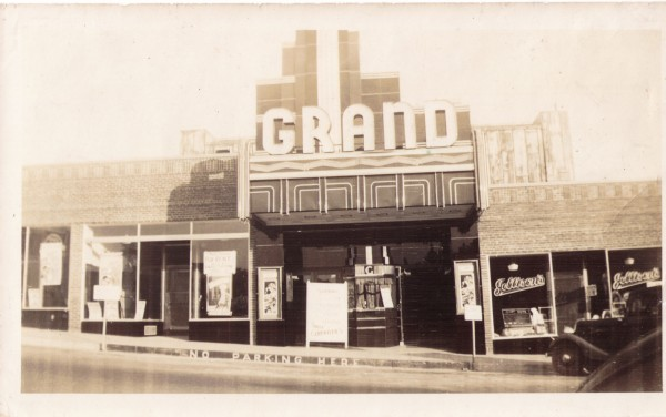 The Grand theater in 1938, with original art deco-style trim.