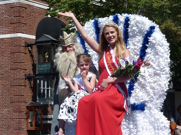 2012 Sea Goddess Alexandra Dienesch-Calamari of Owls Head waves during the Maine  Lobster Festival parade on Saturday, Aug. 4, 2012.