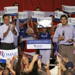 Romney launches sunny ad in swing states